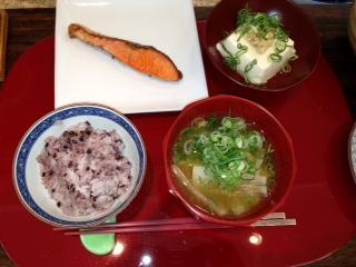 和食で始まる(o^∀^o)